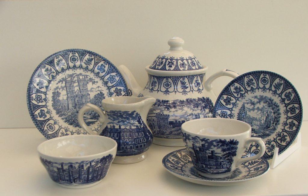 I 90 anni di elisabetta ii: al munacs di arezzo mostra di ceramiche