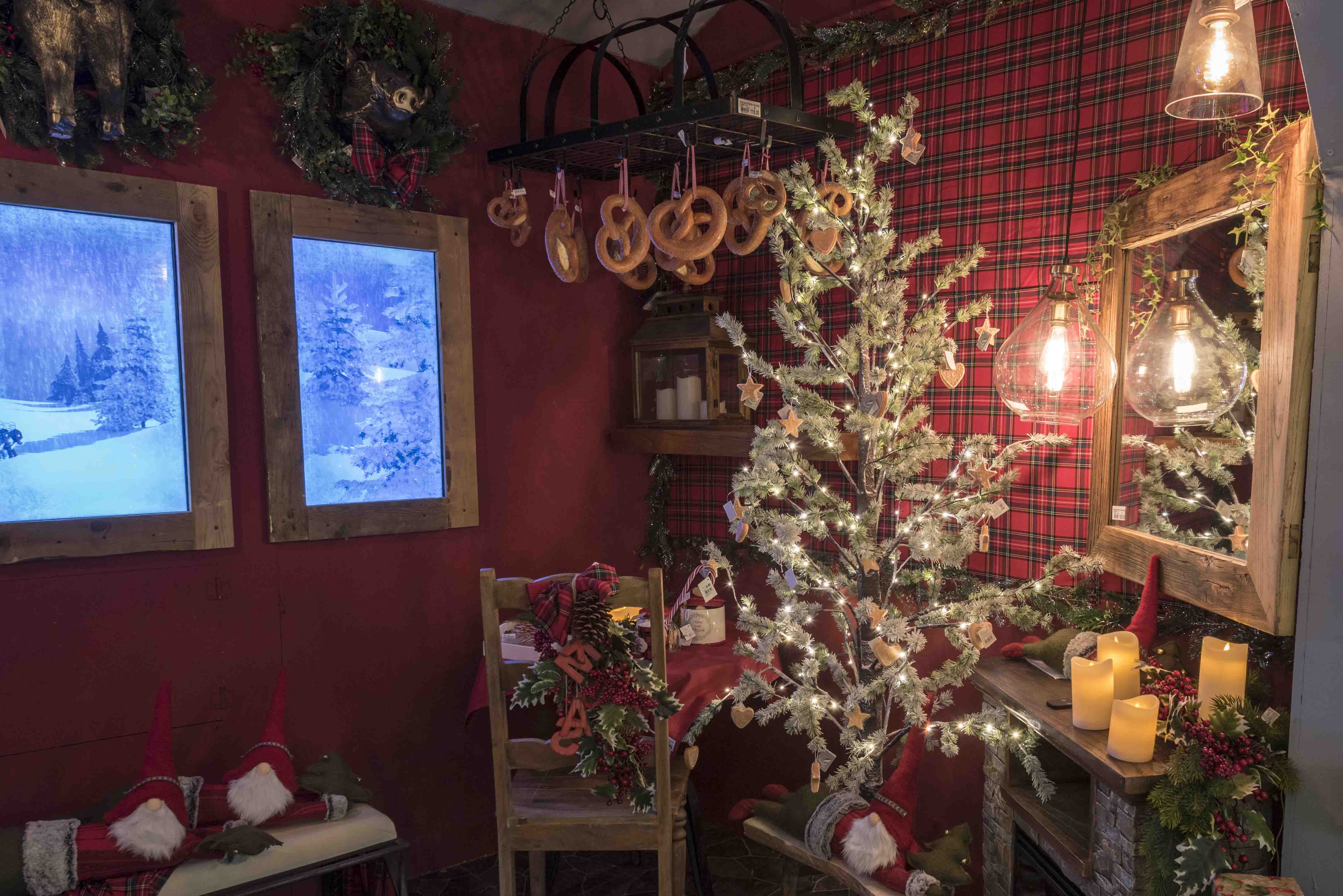 Villaggio Di Natale Bussolengo Immagini.Befana Nel Weekend Di Spettacoli Al Villaggio Di Natale