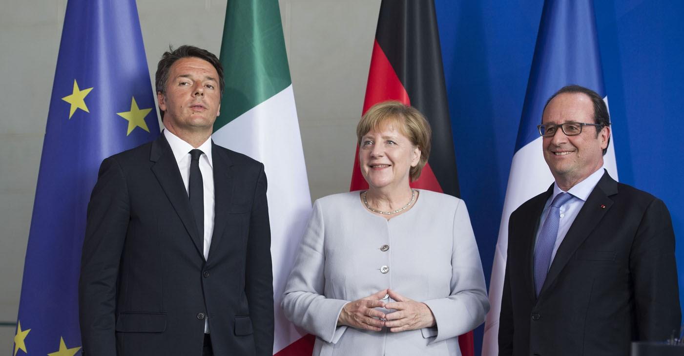 Renzi, Merkel e Hollande a Napoli